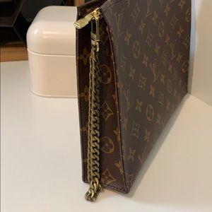 Bronze Flat Chain Wristlet Strap with U Lock Clasp